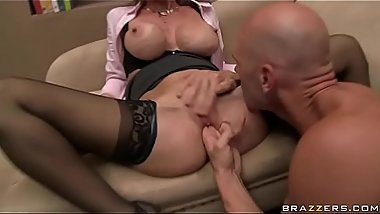 Sex Therapist Addicted To Johnny'_s Schlong