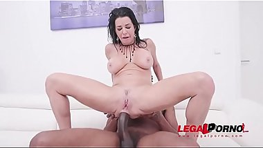 Veronica Avluv'_s piss drinking fantasy with DP, DAP &amp_ Double Pussy SZ2130