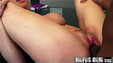 (Alexa Styles) - Hunting For Black Mamba - Milfs Like It Black