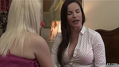 Actresses having lesbian sex - Dana DeArmond and Summer Day