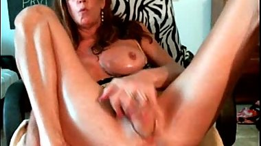 Horny old mature kinky MILF slut with prolapsed cunt asshole fucks monster dildo