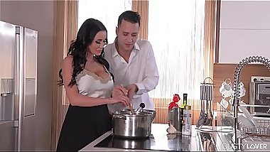 Big Titty Goddess Patty Michova Fucked Deeply all over the Kitchen