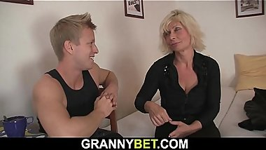 Hot old mature blonde gets her pussy slammed
