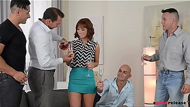 Short-haired Milf Tina Hot penetrated in ultimate gangbang until she cums