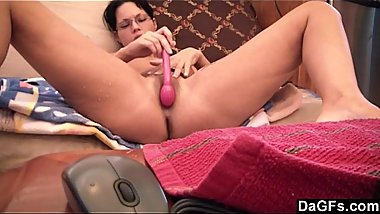 Bella gives amazing webcam show and squirts multiple times