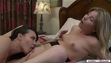 Milf licks and fingers youngsters pussy