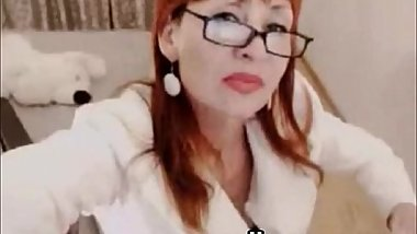 Glasses readhead milf webcam!